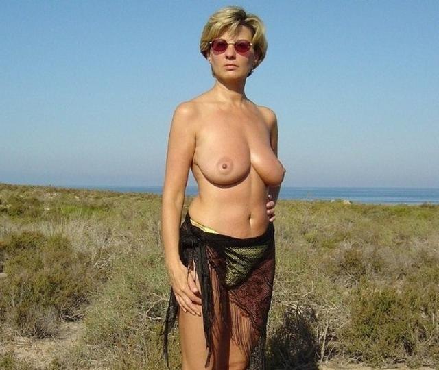 пляже фото русские на за частное женщины 40