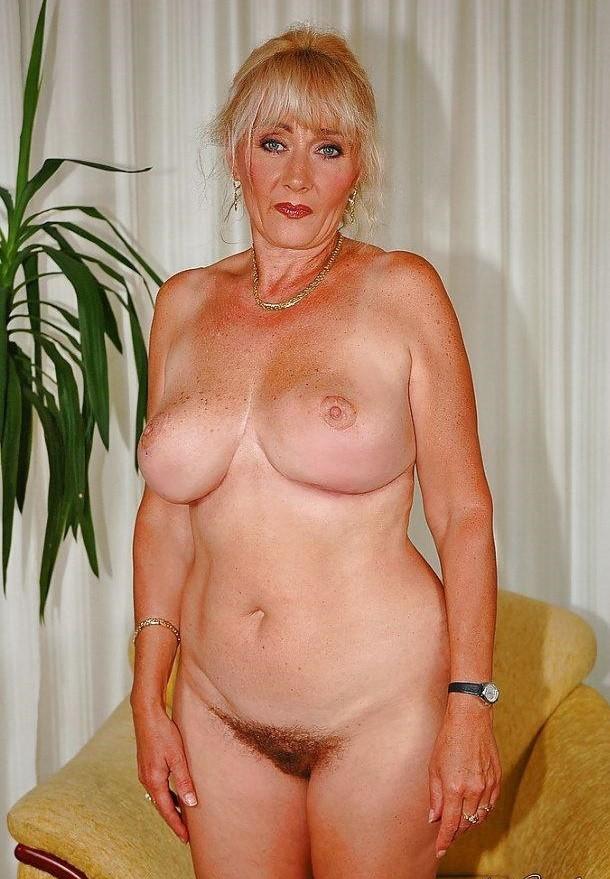 ad-mature-woman