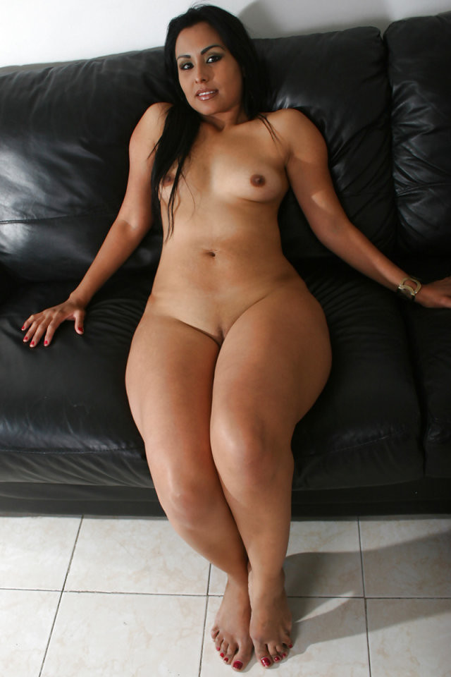 Sexiest naked thick girls — photo 9