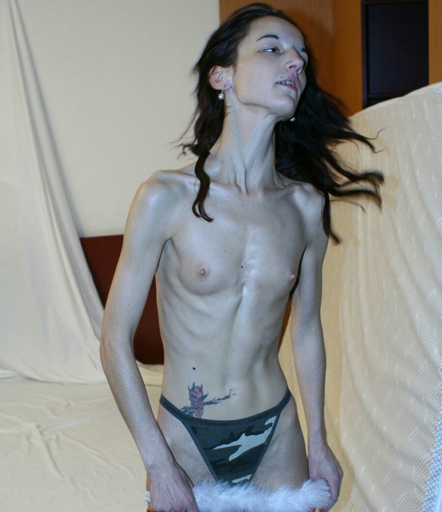 Anorexic girl cums