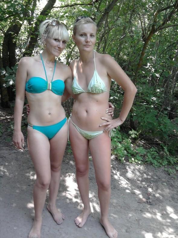 Частное видео голой подруги жены на природе